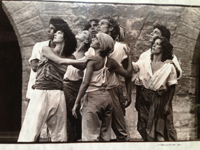 The Works Dancers performing Chant en festival d'Avignon in 1980.